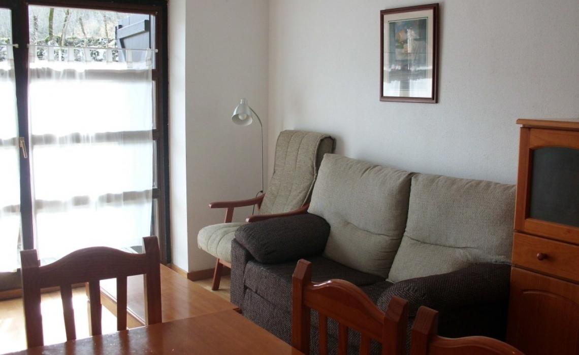 19103. Apartamento 2-4 Bajo con terraza
